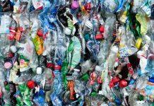 Bottiglie prodotte con 100% di PET riciclato