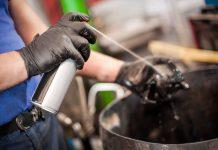 Prodotti spray lubrificanti con composti